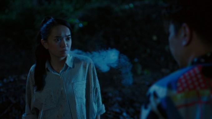photo 1 15458794042711695904210 Nữ sinh cấp 3 được tán dương khi dùng thuốc lá điện tử, Hồn Papa, Da Con Gái là đúng hay sai